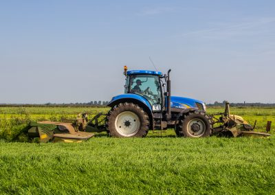 New Holland T6080 maaier easycut 320