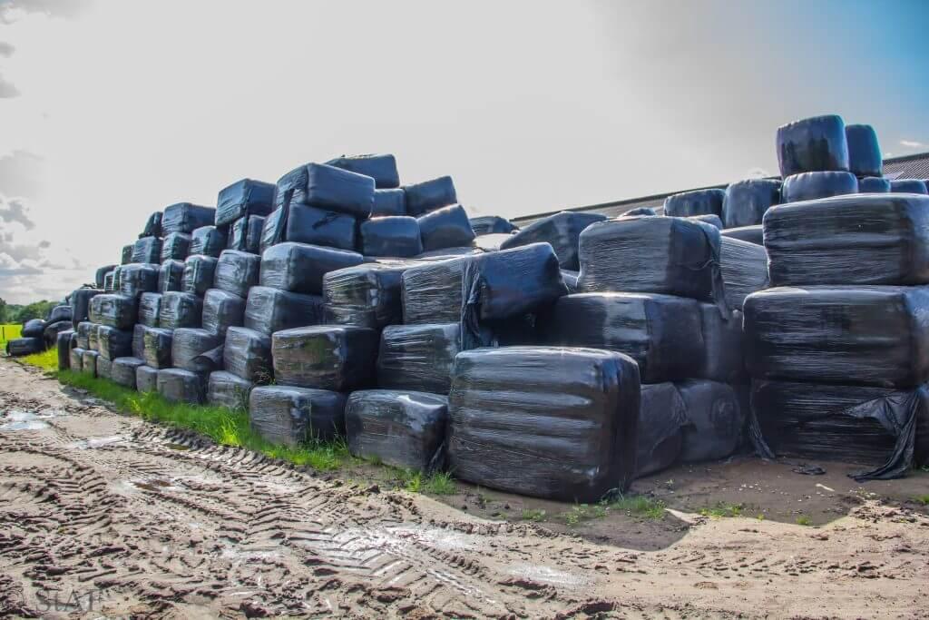 Verkoop - Zand, stro, hooi, houtsnippers, bestrating - Loonbedrijf Nijboer