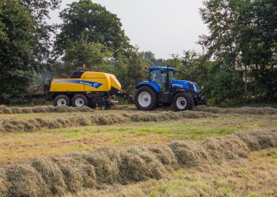 New Holland New Holland T7.200 met BB9070 vierkante pakkenpers