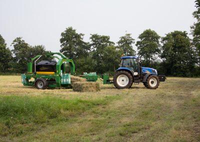 Tractor T6020 met Mchale 998 wikkelaar